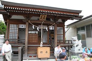 14_shrine.jpg