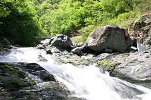 河原のボルダー