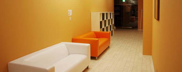 更衣室や休憩スペースも広々